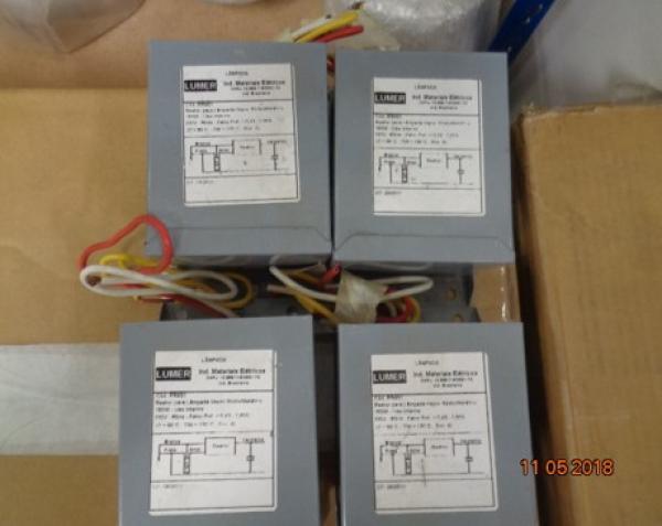 04 Reator Lumer para lâmpada vapor metálico de alta pressão